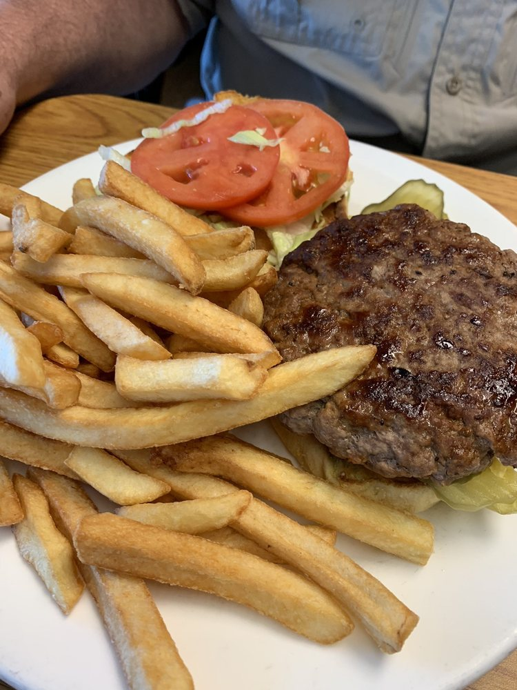 Winterset Kitchen: 16869 Cadiz Rd, Lore City, OH