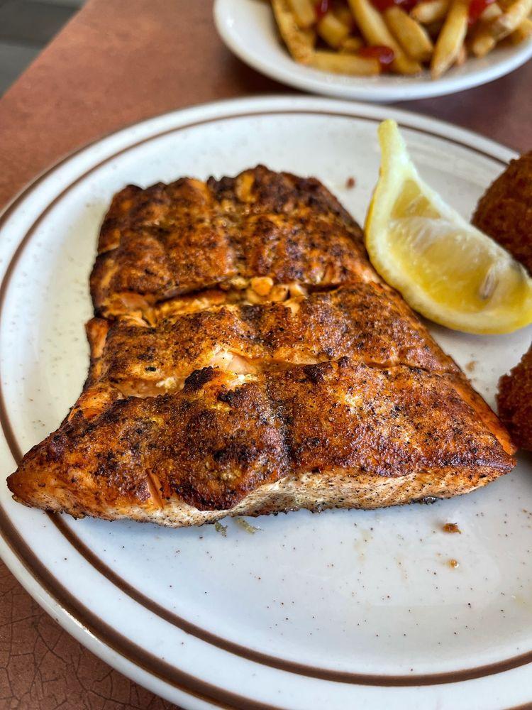 White River Fish Market: 1708 N Sheridan Rd, Tulsa, OK