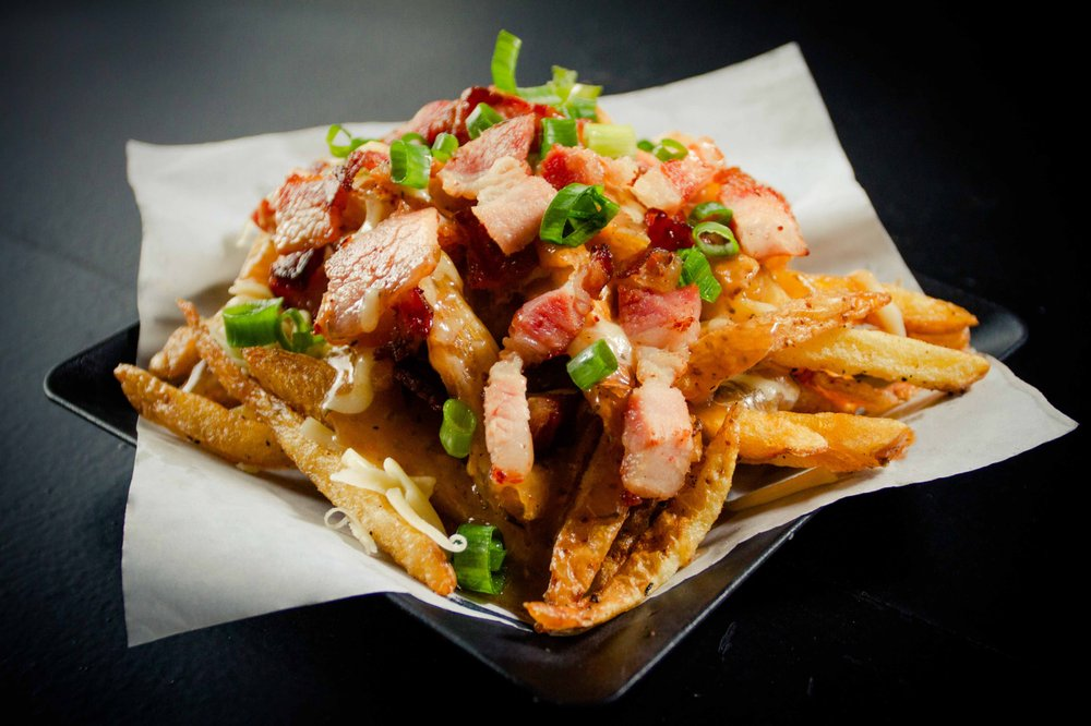 Canuck's Poutinerie