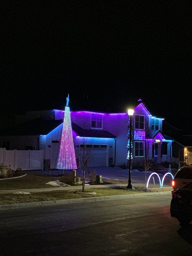 A Very Merry Meridian: 632 N Meridian Dr, Saratoga Springs, UT