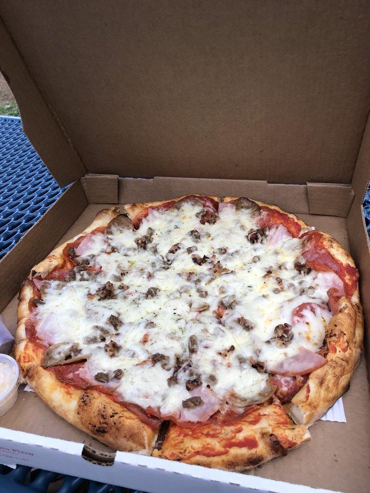 BackRoom Pizza: 8020 Hwy 24, Cascade-Chipita Park, CO