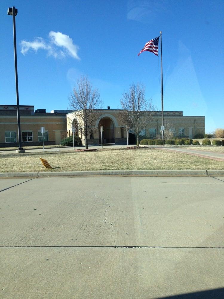 Freeman Southwest YMCA: 4701 Chouteau Ave, Neosho, MO
