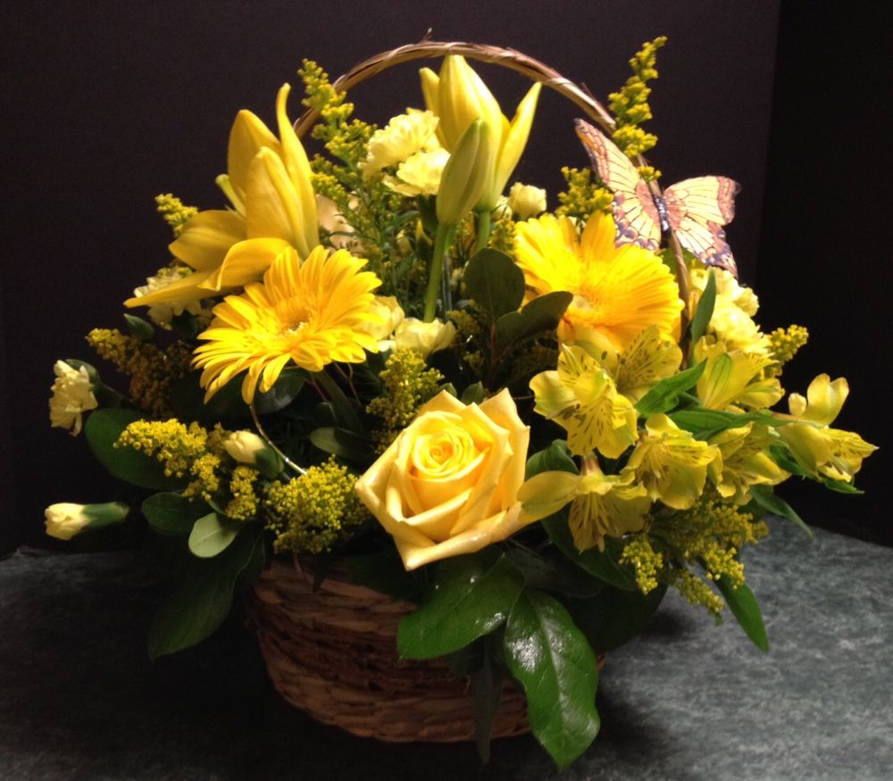 Personal Touch Florist: 14-16 East Second St, Fond du Lac, WI