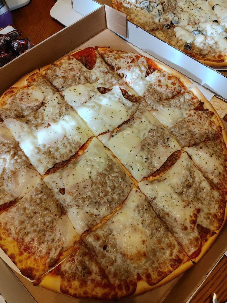 Pizza Niche: 7 N Main St, Cloverdale, IN