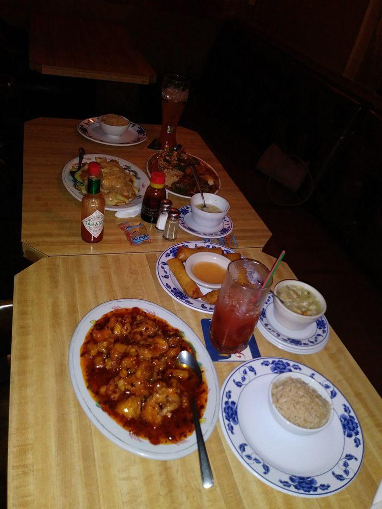Hong Kong Restaurant & Lounge: 13614 W 12th Ave, Airway Heights, WA