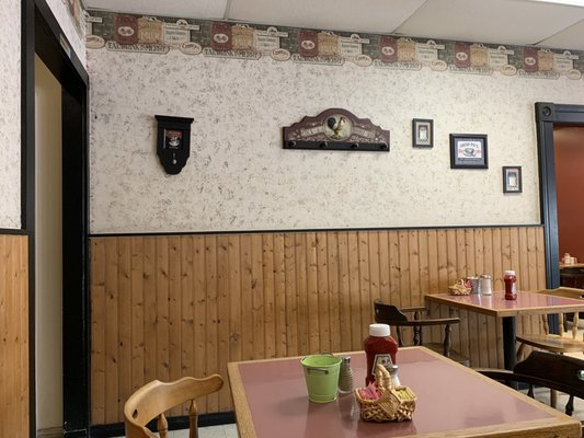 Tammy's Country Kitchen - Canadian (New) - 300 Dundas Street