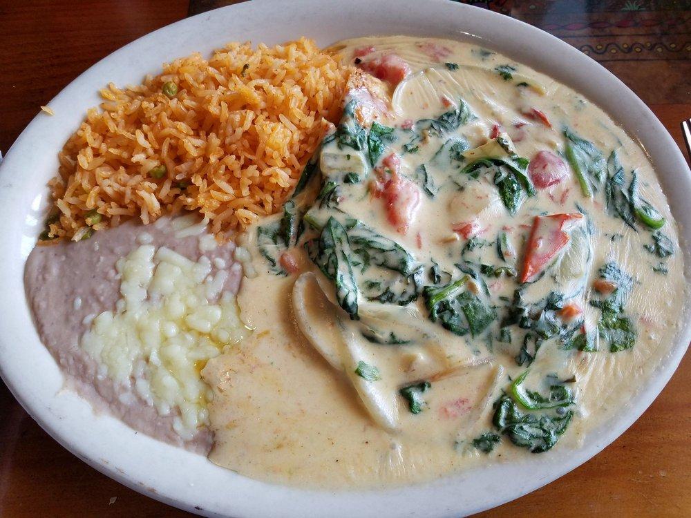 Mucho Kaliente Mexican Restaurant: 941 Maddox Dr, East Ellijay, GA