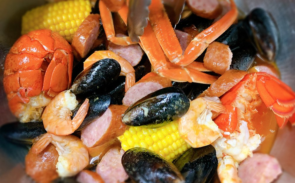 Kobe Bay Seafood, BBQ & Bar: 18 Main St, Toledo, OH