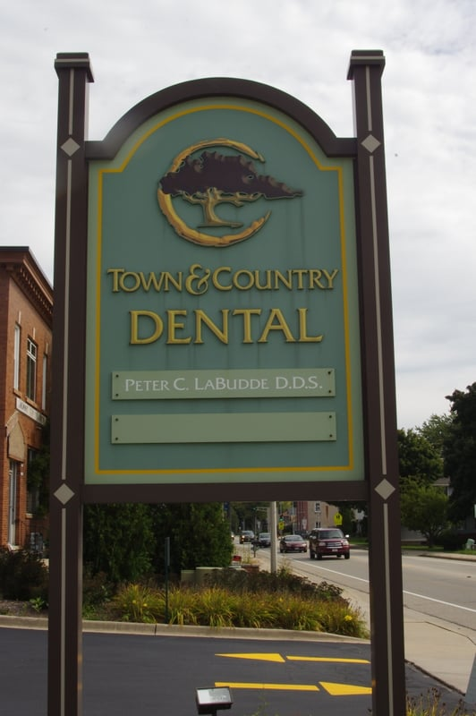 Town and Country Dental: N168 W20566 Main St, Jackson, WI