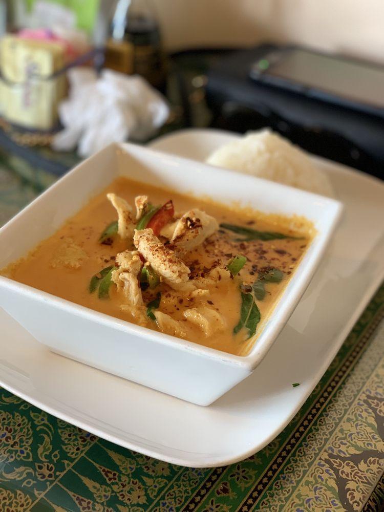 Thai Jasmine Cuisine: 10122 Central Ave, D'Iberville, MS