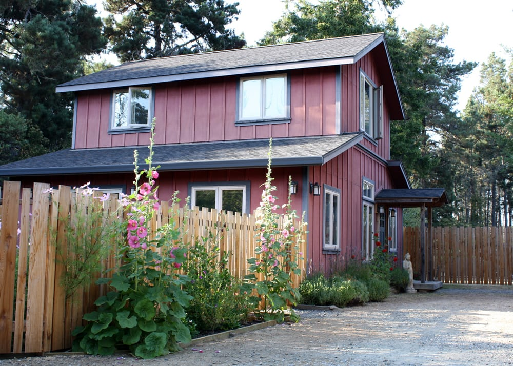 Red Barn Retreat Vacation Rental: 41950 Little River Airport Rd, Little River, CA