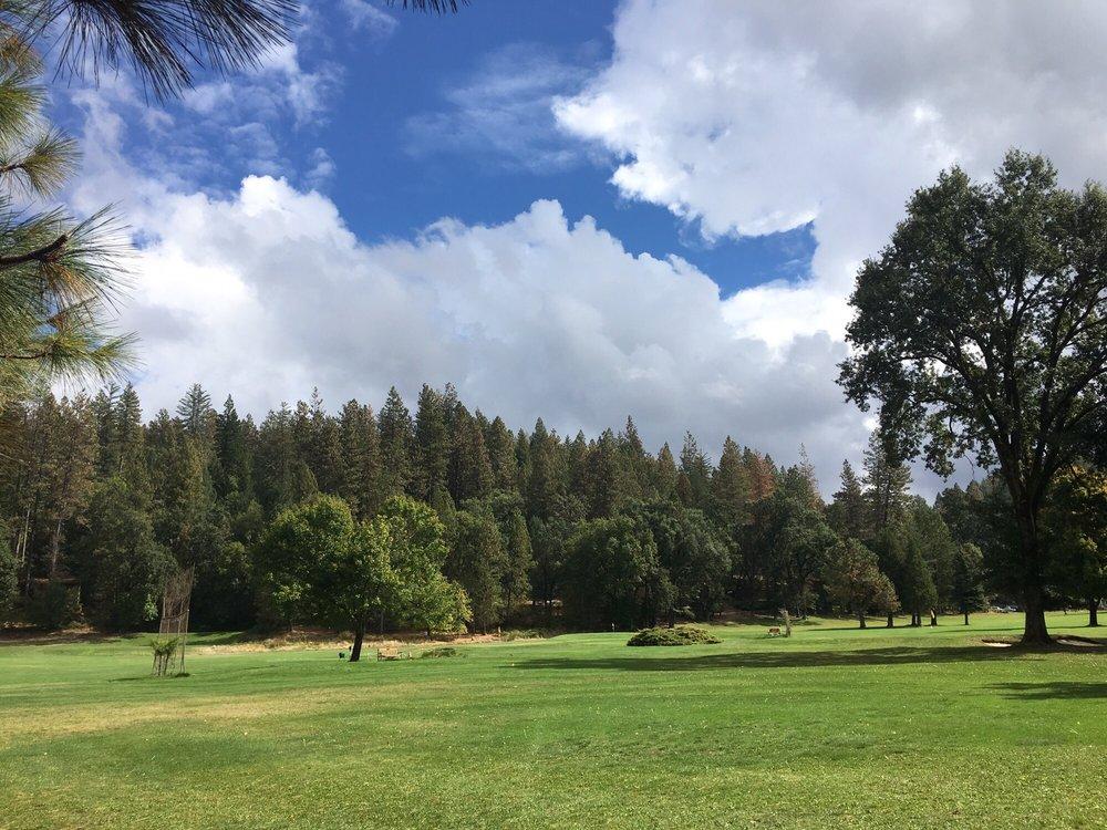 Black Rock Golf Course: 16451 Golf Rd, Cobb, CA