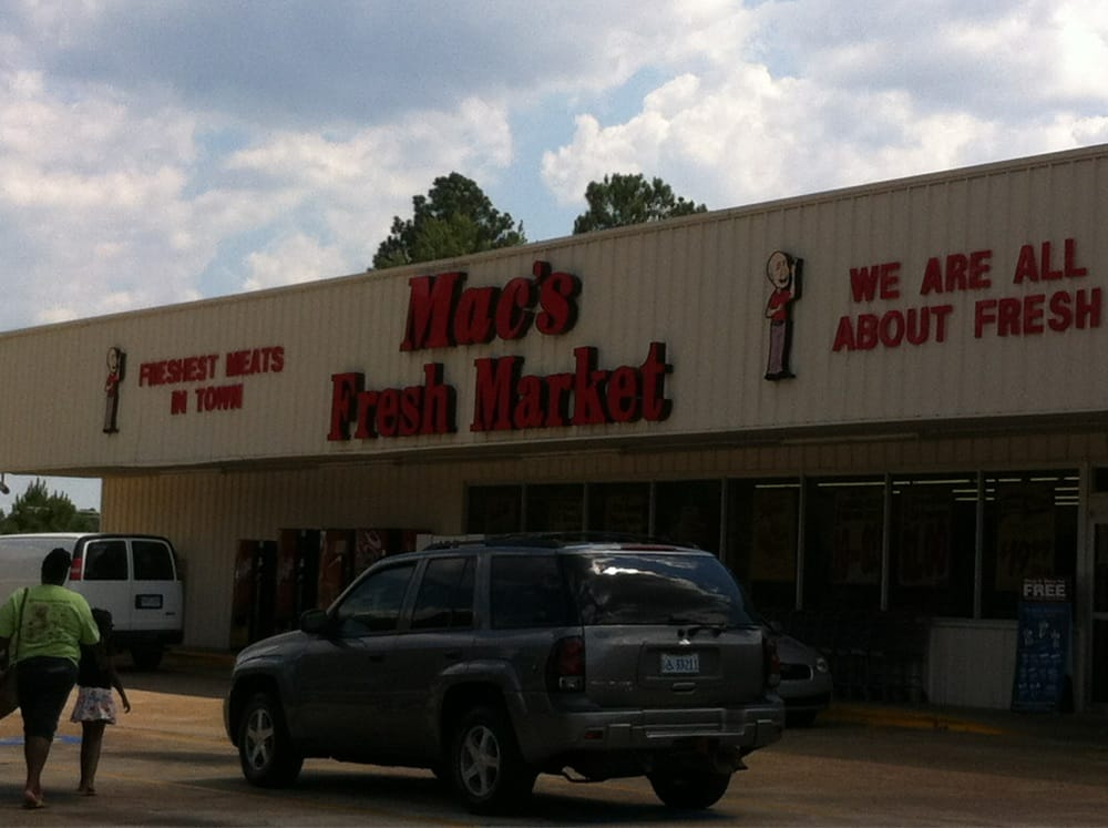 Mac's Fresh Market: 33700 Hwy 12 W, Durant, MS