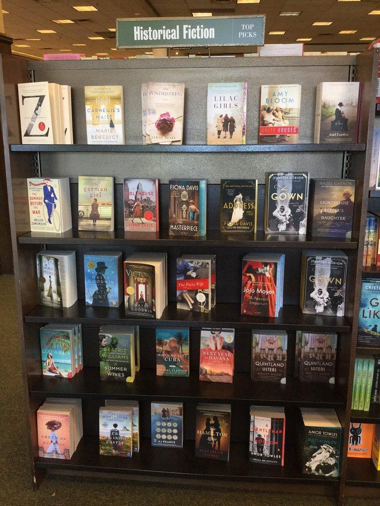 Barnes & Noble: 11500 Financial Ctr Pkwy, Little Rock, AR