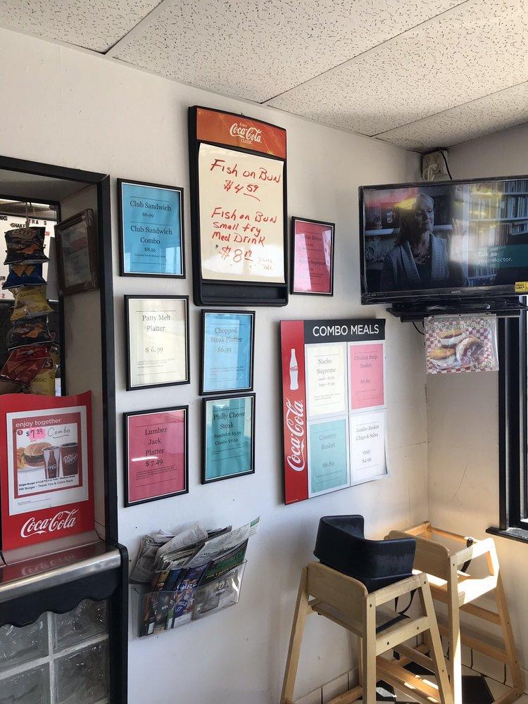 Mr Burger: 219 S Broadway St, Dimmitt, TX