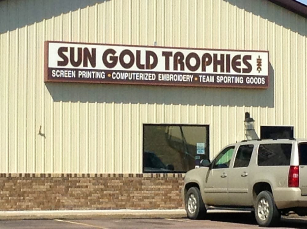 Sun Gold Sports: 714 E Ray Ave, Mitchell, SD