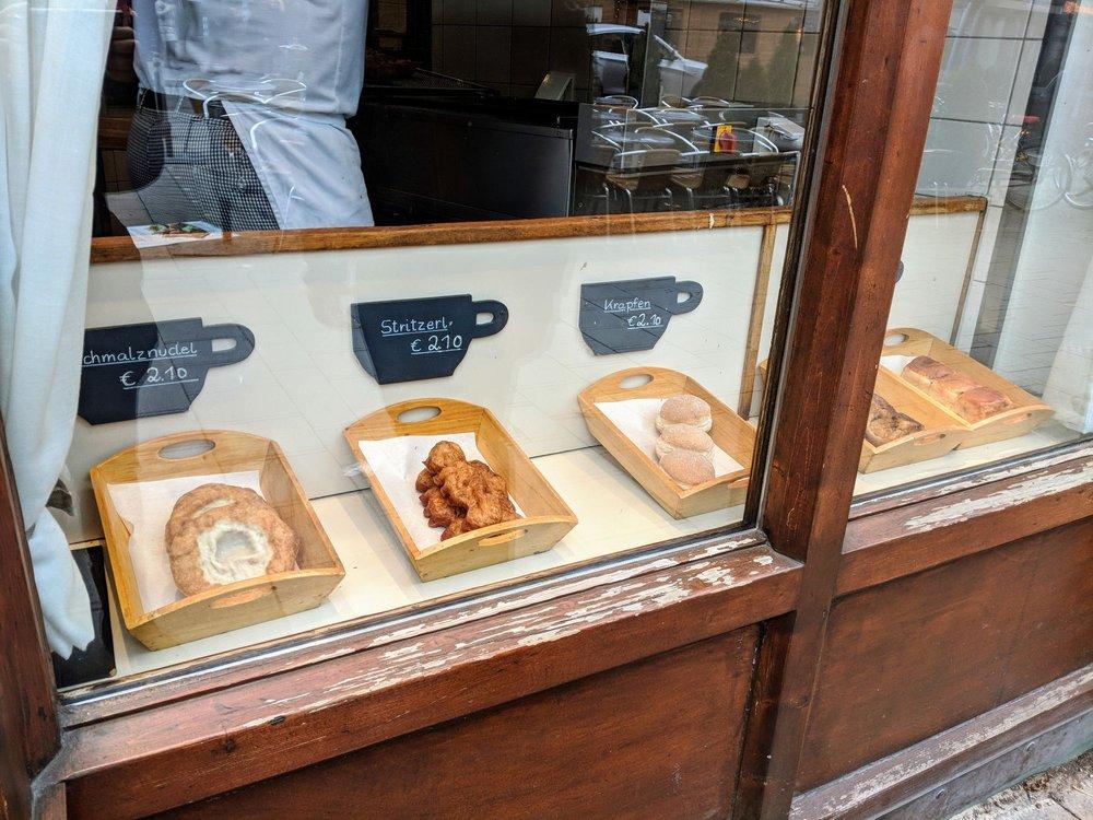 Schmalznudel Café Frischhut