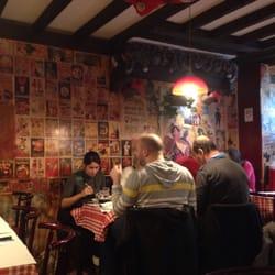 Chez marie 14 reviews french 27 rue gabrielle for Restaurant chez marie marseille