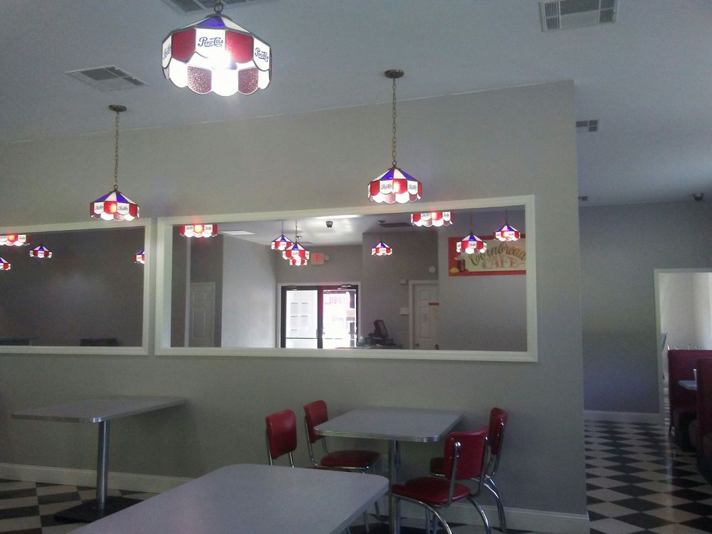 Cornbread Cafe: 1141 Hwy 36, Frenchburg, KY