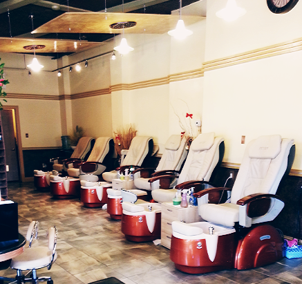 Come with your friends and family and enjoy our spa for 24 hour nail salon philadelphia