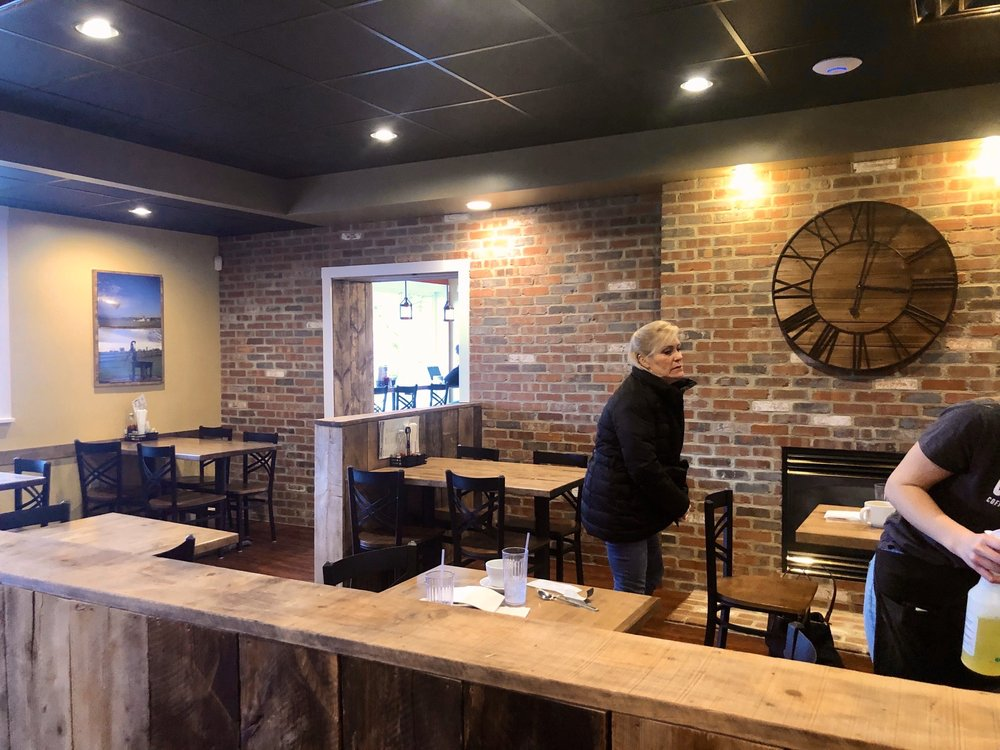 CoffeeCo: 504 East Main St, New Holland, PA