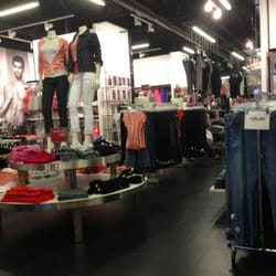 Guess Factory Store 14 Reviews Outlet Stores 1257 Marina Blvd San Leandro Ca Phone