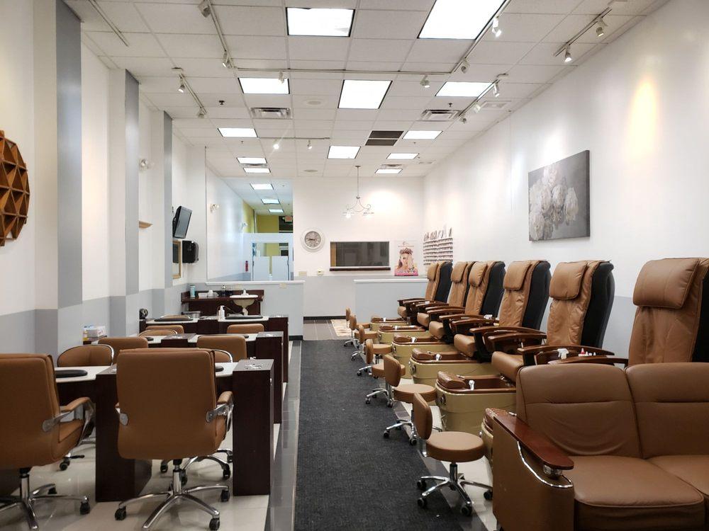 Lavish Nail Spa: 3155 W Shore Dr, Holland, MI