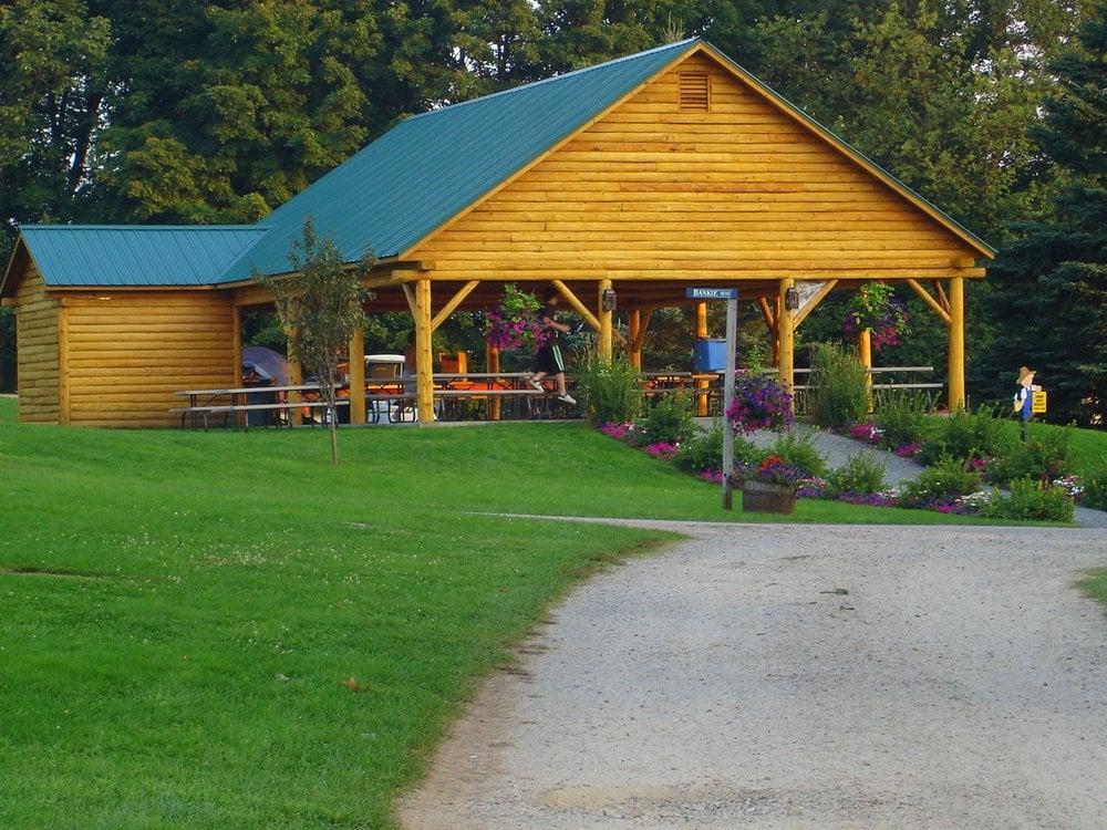 The Lantern Resort Motel & Campground: 571 Presidential Hwy, Jefferson, NH