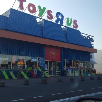 toys r us 10 avis magasins de jouets avenue quarante. Black Bedroom Furniture Sets. Home Design Ideas