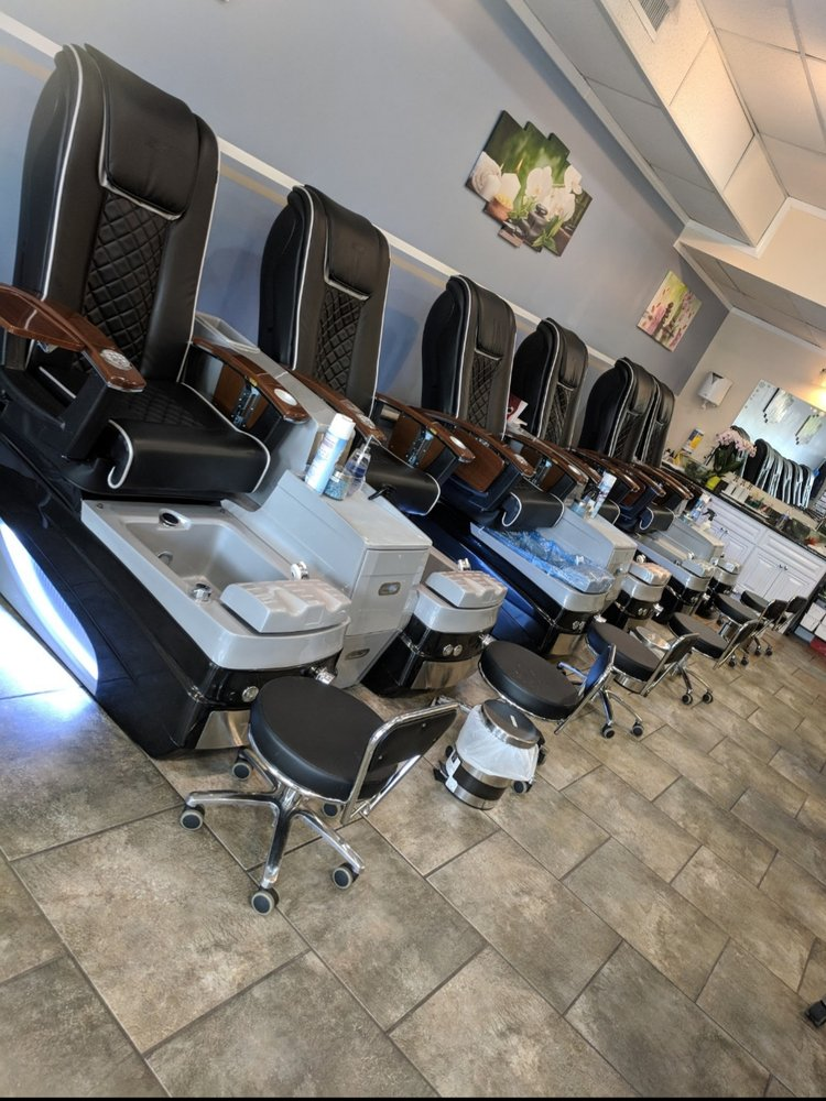 iNail Spa: 2 Village Center Dr, Swedesboro, NJ