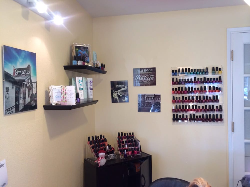 Sunshine Salon: 135 Oak St, Ashland, OR