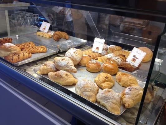 Marasma caf caff piazza capitaneo 21 modugno bari for Numero abitanti di bari