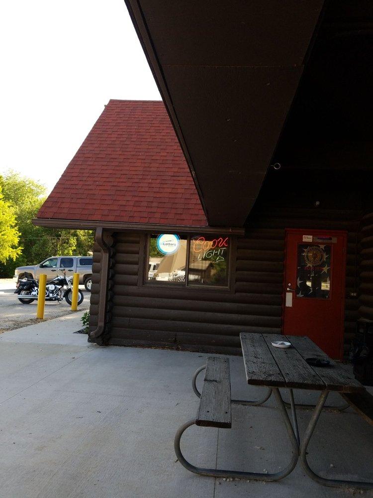 Club 76 Cafe: 2349 Mehaffey Bridge Rd NE, North Liberty, IA