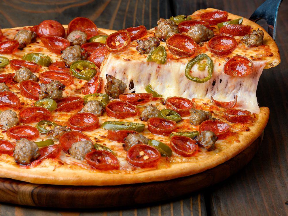 Pizza Guys: 540 Hidden Valley Pkwy, Corona, CA