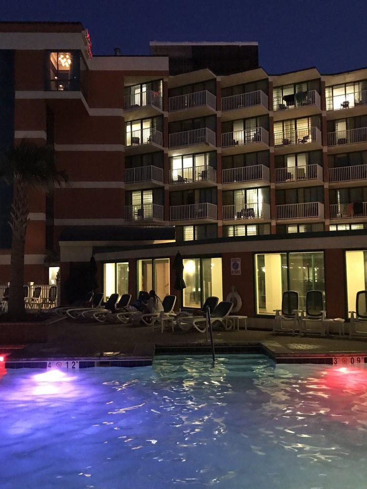 Holiday Inn & Suites Virginia Beach- North Beach