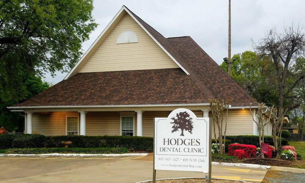Hodges David DDS: 109 Oak St, De Kalb, TX
