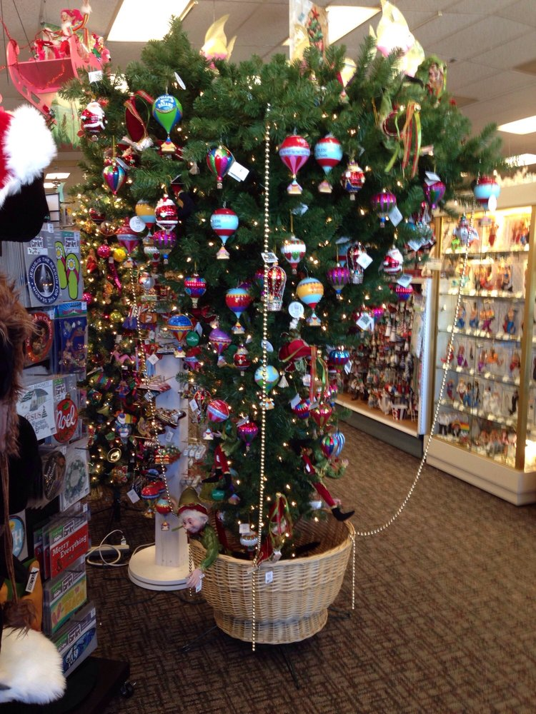 photo of roberts christmas wonderland clearwater fl united states upside down christmas - Roberts Christmas Wonderland