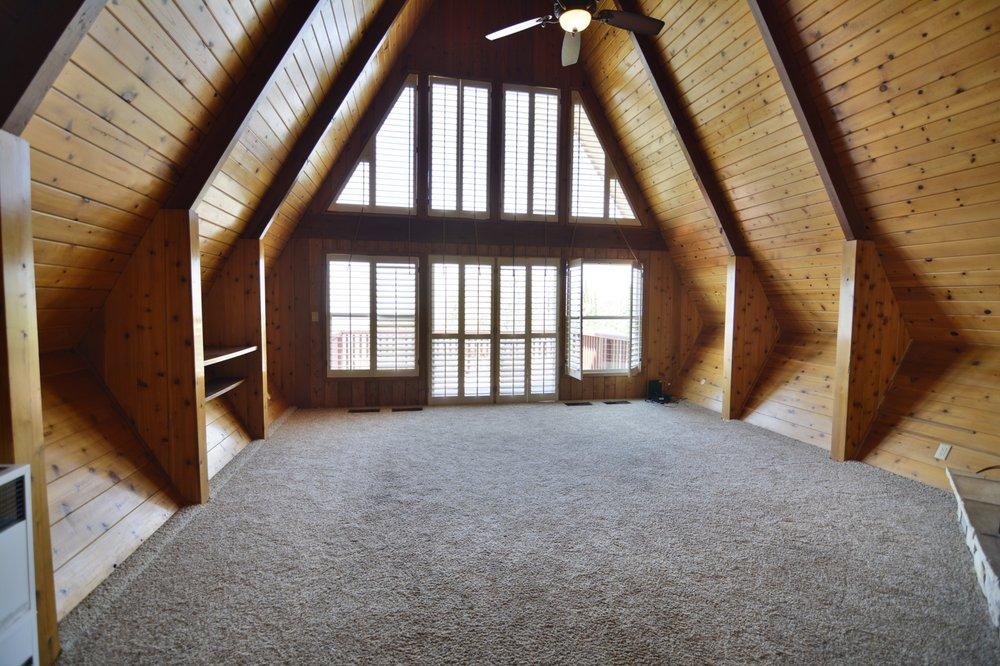 Sally Lawrence - Advantage Real Estate | 1121 W Valley Blvd, Tehachapi, CA, 93561 | +1 (661) 375-7325