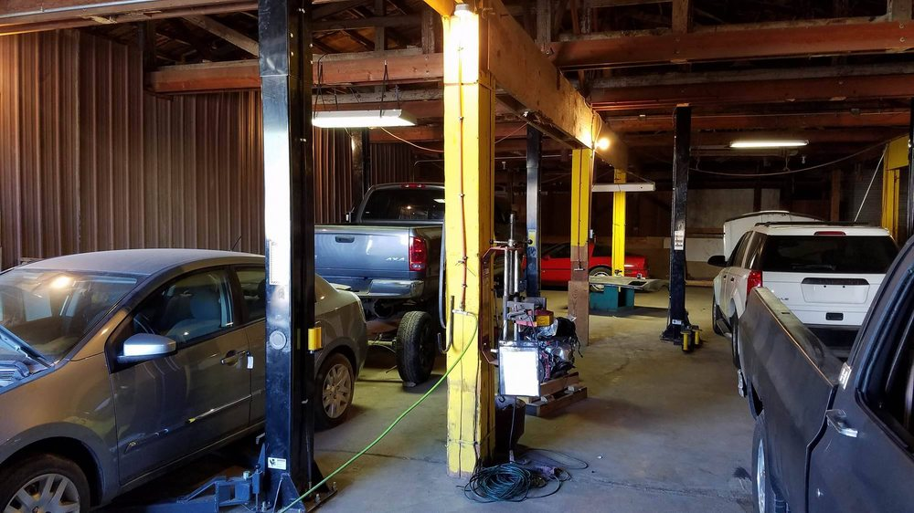 Superior Auto Works & Towing: 1005 Garfield Ave, Saint Joseph, MO