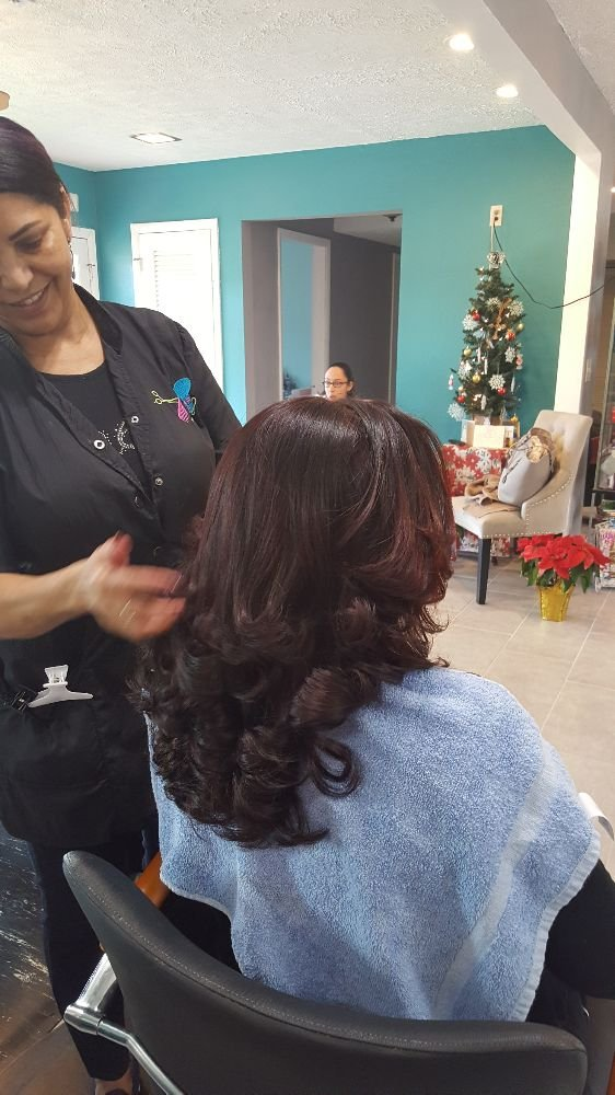 Fleridas Royal Touch Dominican Salon Hair Salons 502 W Lumsden