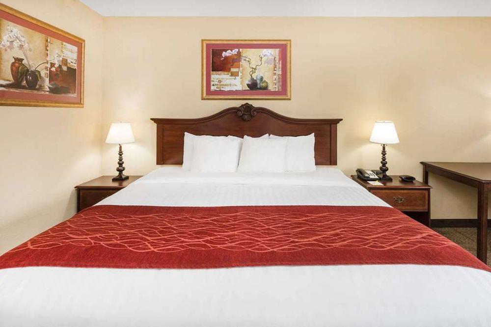 Days Inn by Wyndham Vidalia: 1509 East 1st  St, Vidalia, GA