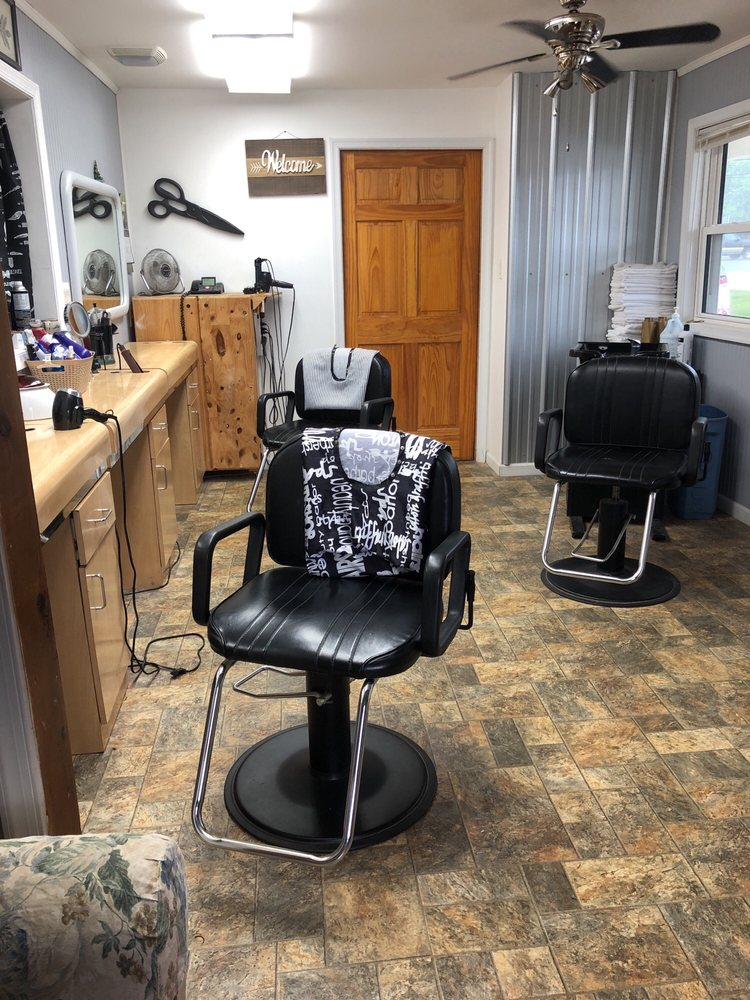 Donnas Cut and Style: 102 James Madison St, Remington, VA