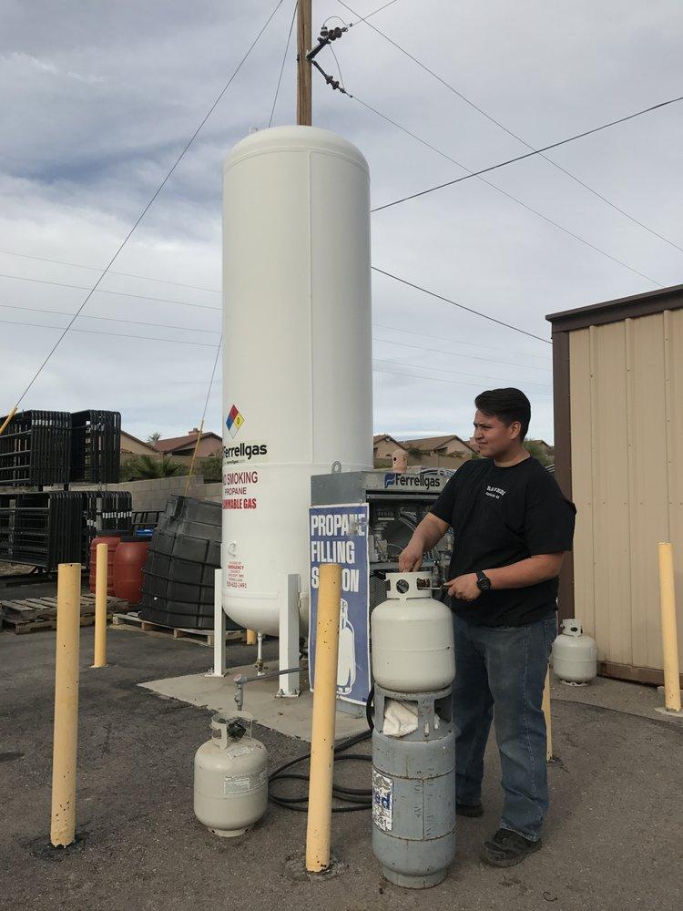 Rawhide Feed & Supply: 3302 E Edwin Rd, Tucson, AZ