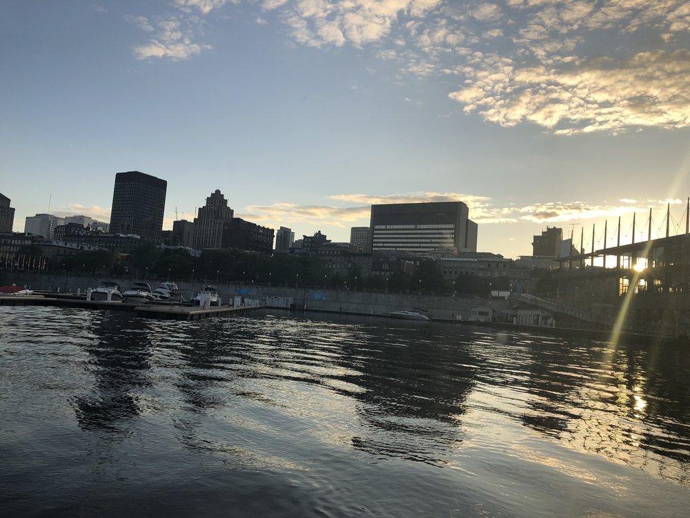 Le Bateau-Mouche Au Vieux Port de Montréal