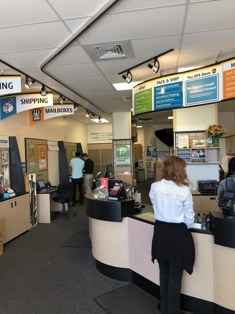 The UPS Store: 611 S Ft Harrison Ave, Clearwater, FL