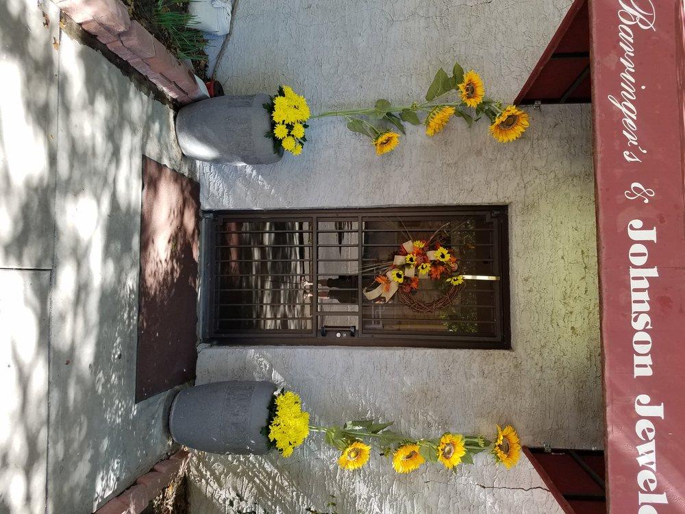 Barringer's Blossom Shop: 314 N Main St, Roswell, NM