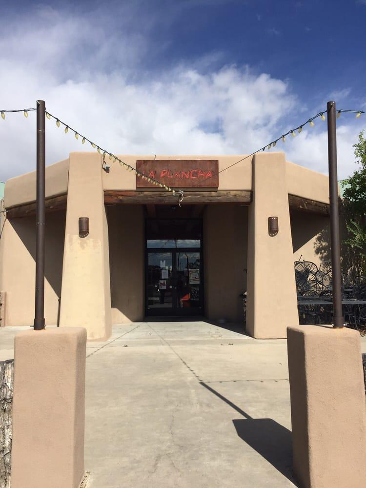 La Plancha de Eldorado: 7 Caliente Rd, Santa Fe, NM