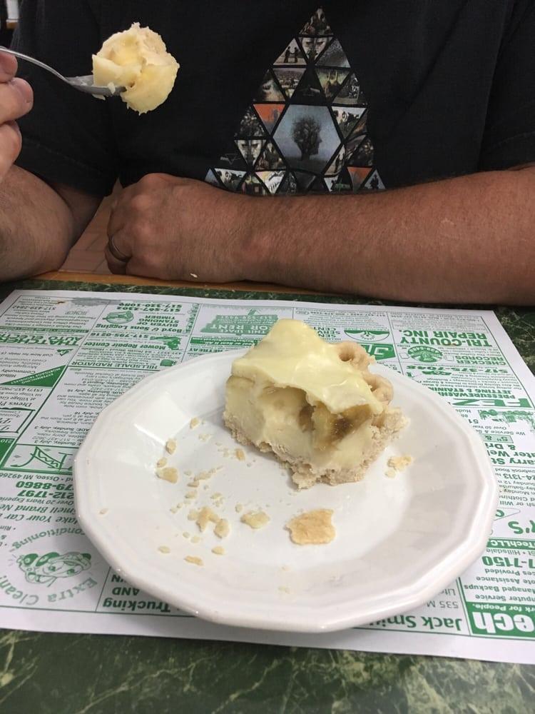 Somerset Cafe: 12151 E Chicago Rd, Jerome, MI