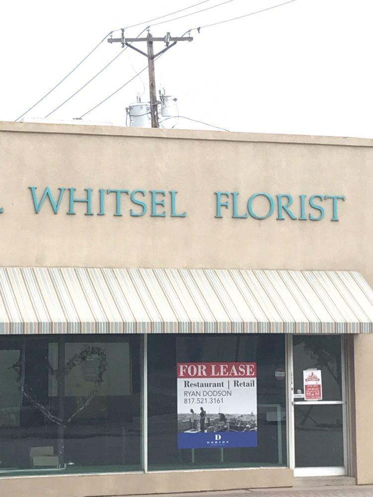 Darrell Whitsel Florist & Greenhouse: 101 S Friou St, Alvarado, TX