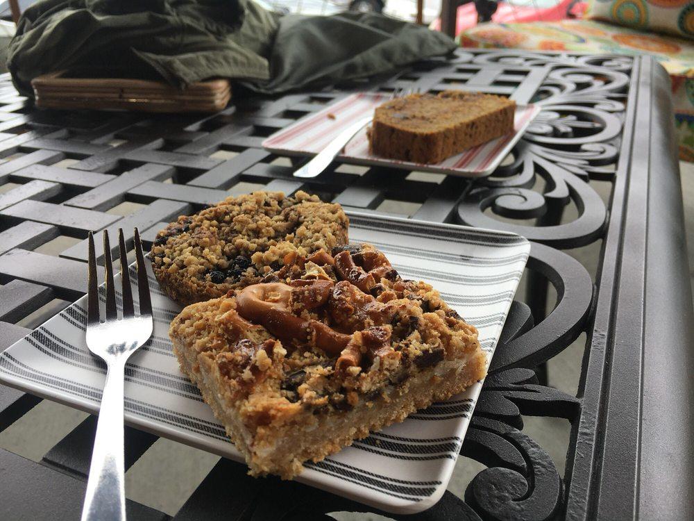 MOR Bakery & Cafe